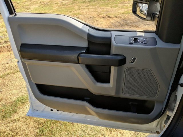 2019 F-550 Regular Cab DRW 4x2,  Cab Chassis #KDA22004 - photo 22