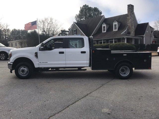 2019 F-350 Crew Cab DRW 4x4,  CM Truck Beds TM Deluxe Hauler Body #KEC84081 - photo 6