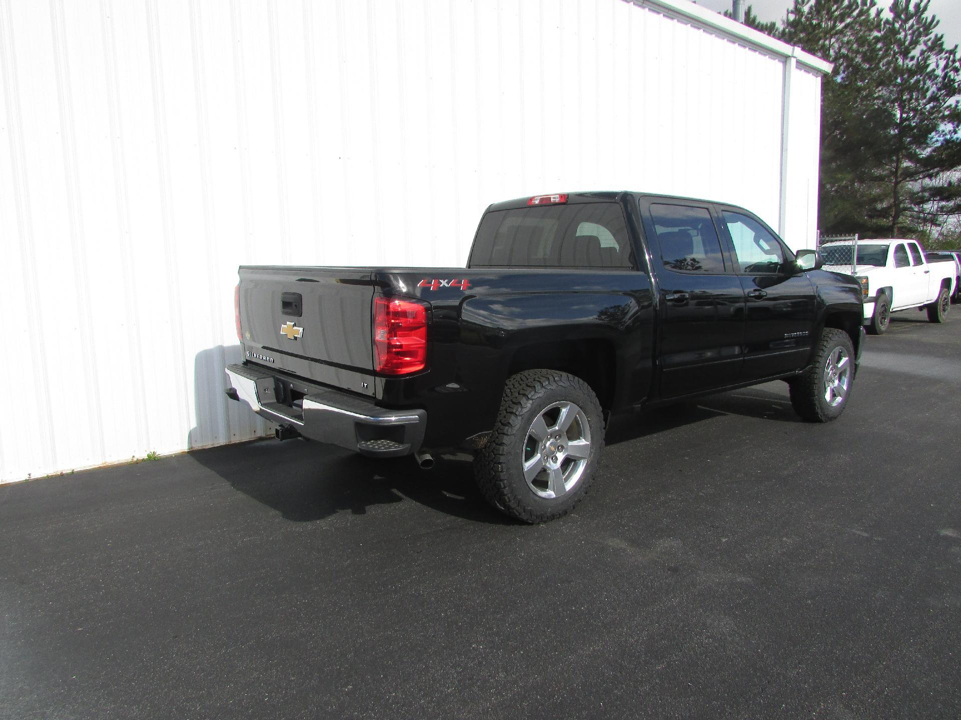 2018 Silverado 1500 Crew Cab 4x4, Pickup #180077 - photo 2