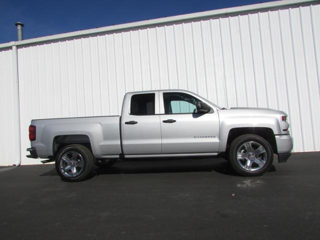 2018 Silverado 1500 Double Cab 4x2,  Pickup #180270 - photo 3