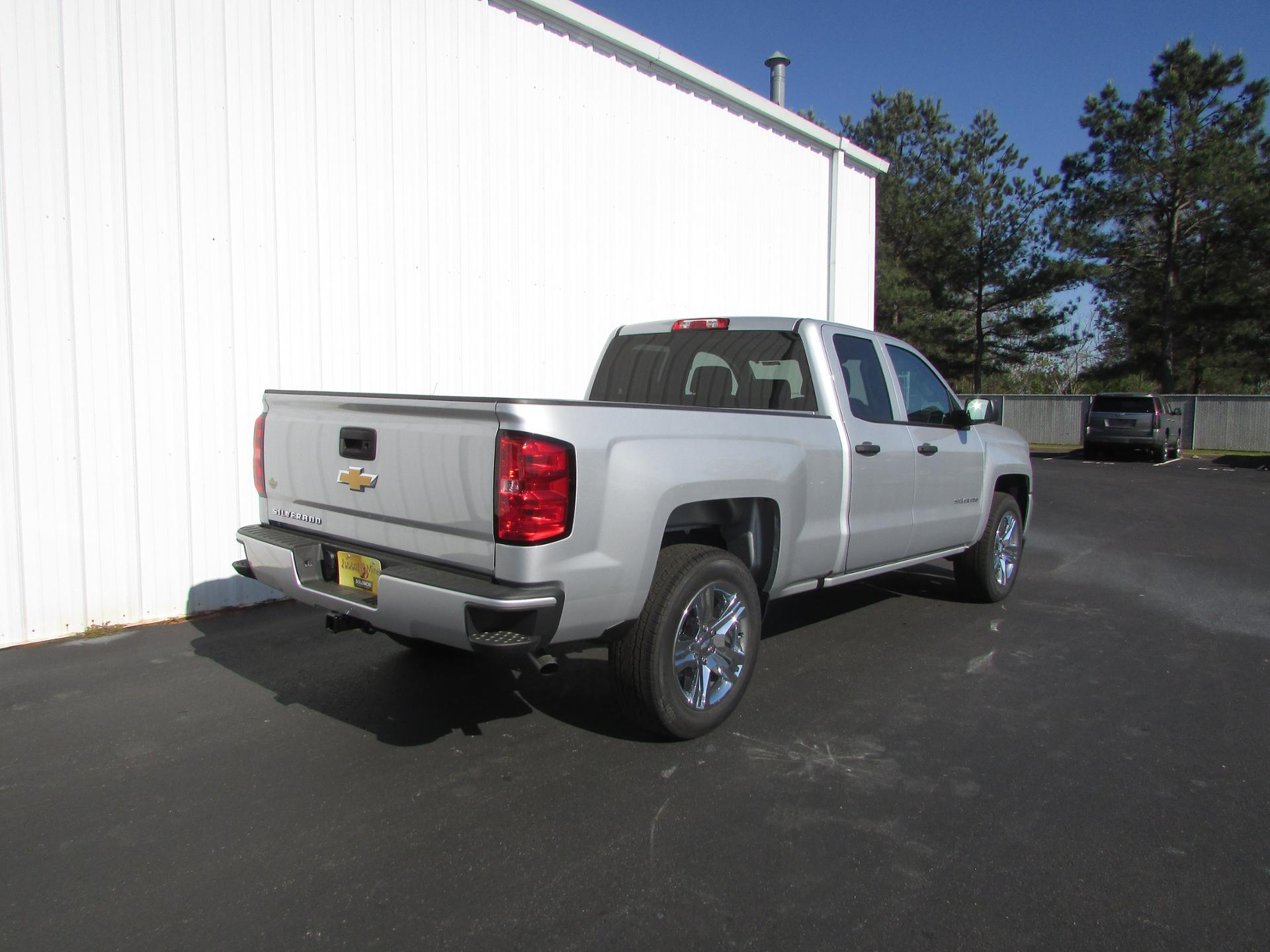 2018 Silverado 1500 Double Cab 4x2,  Pickup #180294 - photo 2