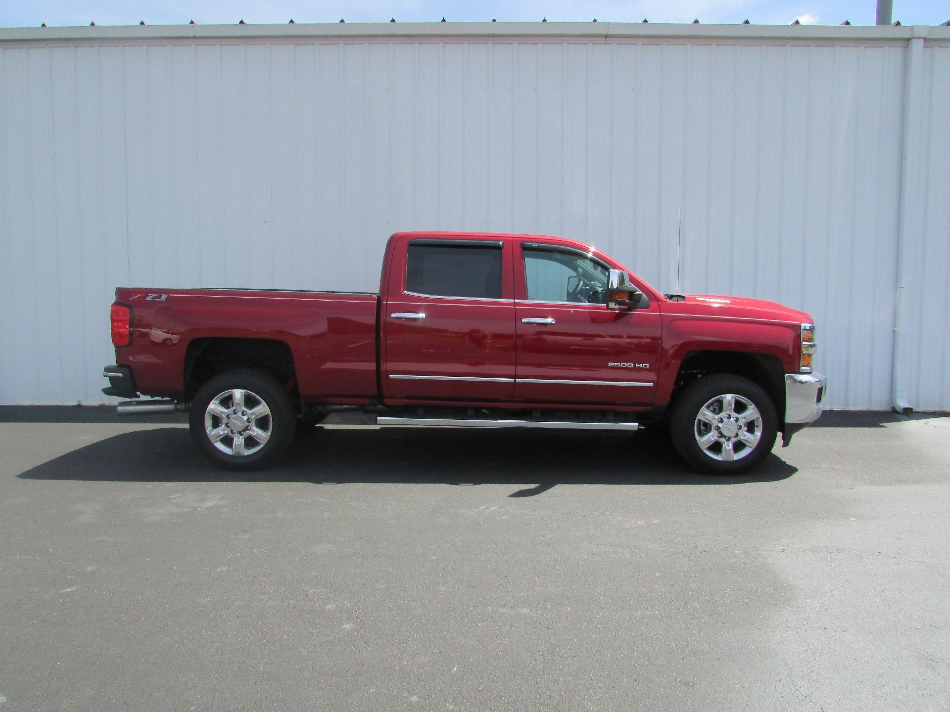 2018 Silverado 2500 Crew Cab 4x4,  Pickup #180387 - photo 3