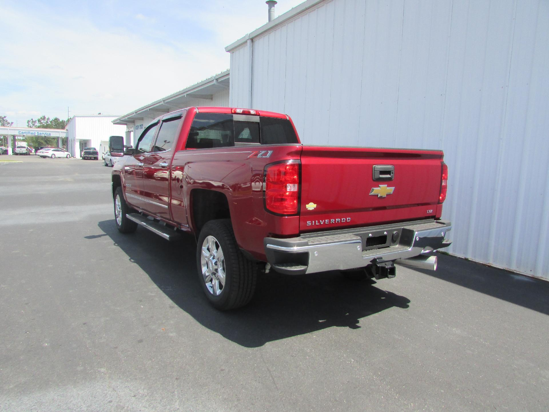 2018 Silverado 2500 Crew Cab 4x4,  Pickup #180387 - photo 5