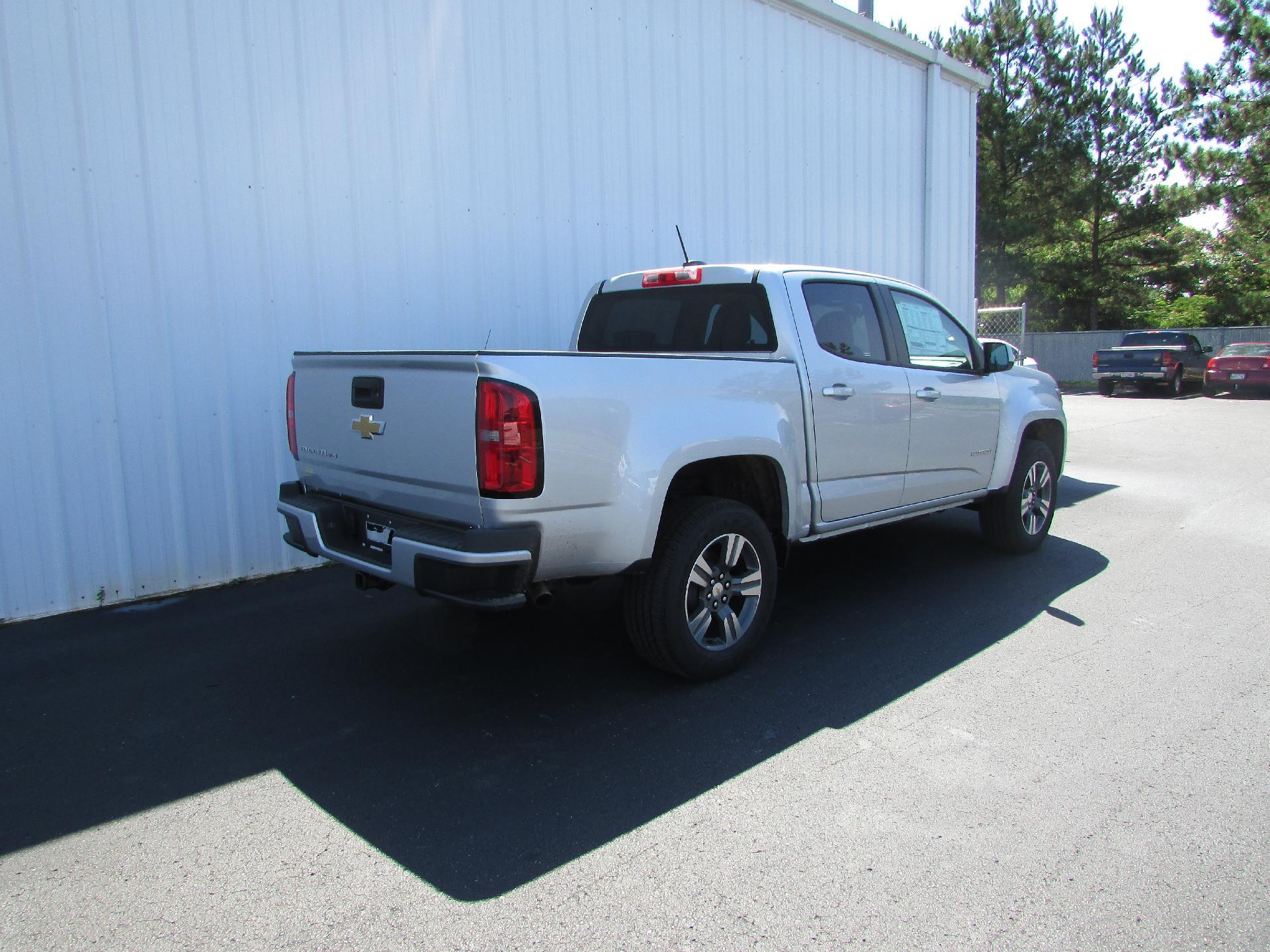 2018 Colorado Crew Cab 4x2,  Pickup #180424 - photo 2