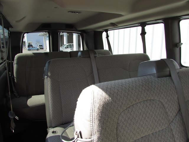 2015 Express 3500, Passenger Wagon #P6076 - photo 5