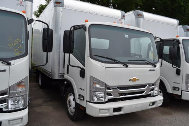 2016 LCF 4500 Regular Cab, Supreme Dry Freight #1608560 - photo 2