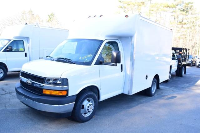 2017 Express 3500, Supreme Cutaway Van #1704590 - photo 3