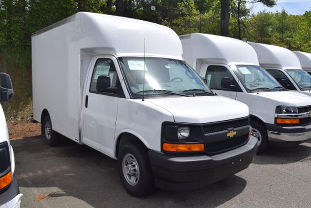 2017 Express 3500, Supreme Cutaway Van #1704930 - photo 3