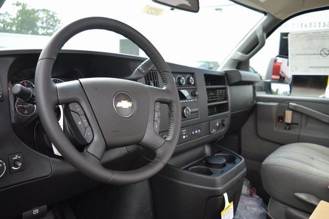 2020 Chevrolet Express 3500 4x2, Cutaway #2000230 - photo 1