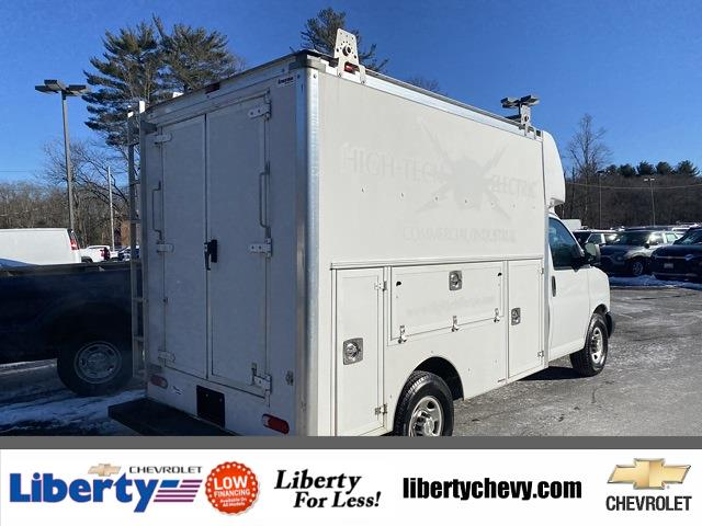 2016 Chevrolet Express 3500, Supreme Cutaway Van #2000981 - photo 1