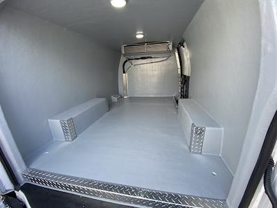 2020 Chevrolet Express 2500 4x2, Refrigerated Body #2083750 - photo 2