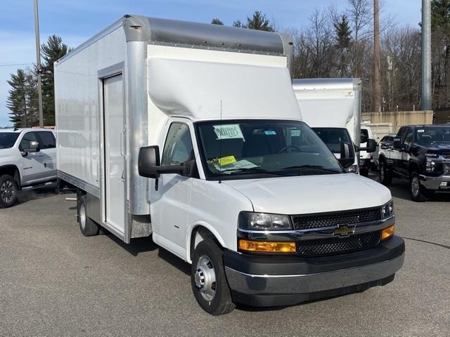2021 Chevrolet Express 3500 DRW 4x2, Supreme Cutaway Van #2100750 - photo 1