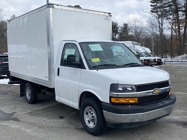 2021 Chevrolet Express 3500 4x2, Supreme Cutaway Van #2101650 - photo 1