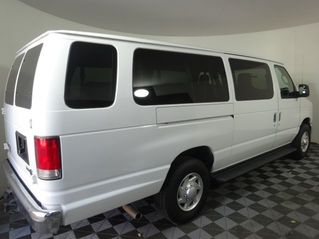 2014 E-350 Passenger Wagon #22896Z - photo 2