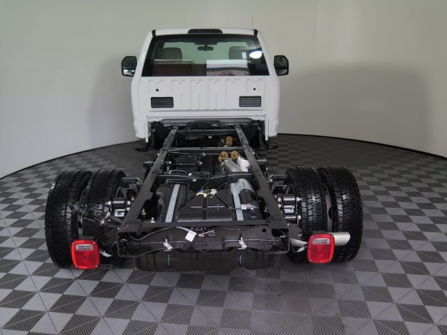 2017 F-550 Regular Cab DRW 4x4, Cab Chassis #71953 - photo 6