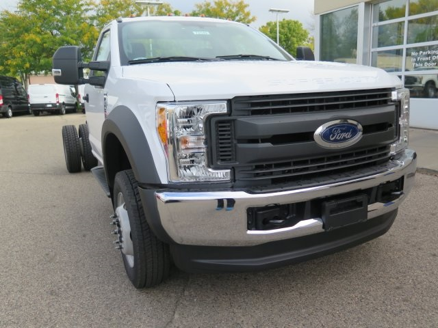 2017 F-550 Regular Cab DRW 4x4, Cab Chassis #72142 - photo 3