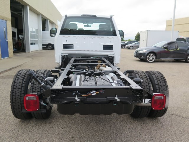 2017 F-550 Regular Cab DRW 4x4, Cab Chassis #72142 - photo 5