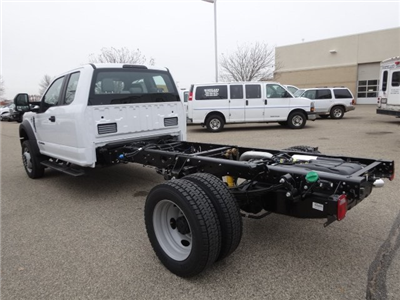 2017 F-450 Super Cab DRW 4x4, Cab Chassis #75379 - photo 5