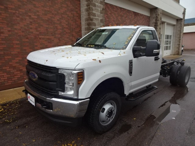 2019 F-350 Regular Cab DRW 4x4,  Cab Chassis #77969 - photo 4