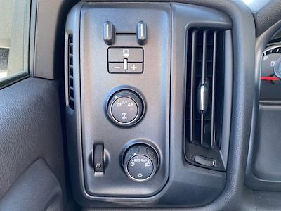2020 Chevrolet Silverado 6500 Regular Cab DRW 4x4, Iowa Mold Tooling Dominator I Mechanics Body #G051595 - photo 17