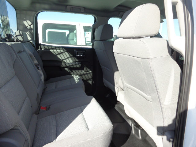 2016 Silverado 3500 Crew Cab 4x4, Hauler Body #G682391 - photo 9