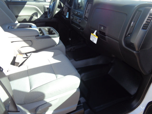 2016 Silverado 3500 Crew Cab 4x4, Hauler Body #G682680 - photo 8