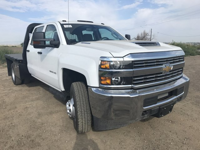 2017 Silverado 3500 Crew Cab 4x4 Platform Body #G716683 - photo 4