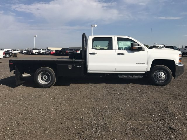2017 Silverado 3500 Crew Cab 4x4 Platform Body #G717279 - photo 5