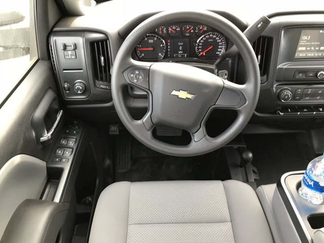2017 Silverado 3500 Crew Cab 4x4 Platform Body #G717505 - photo 9