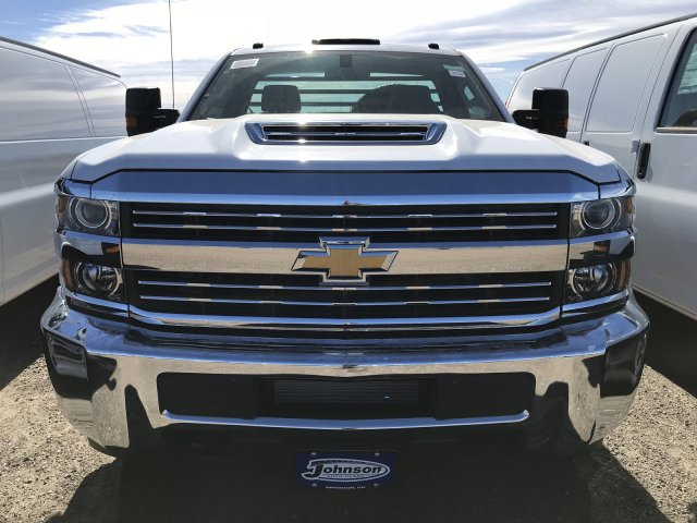 2017 Silverado 3500 Regular Cab DRW 4x4 Platform Body #G735206 - photo 3
