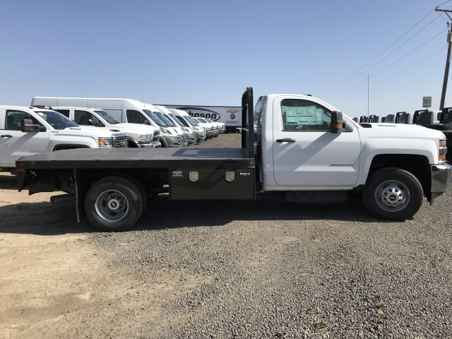 2018 Silverado 3500 Regular Cab DRW 4x4, Platform Body #G816202 - photo 5