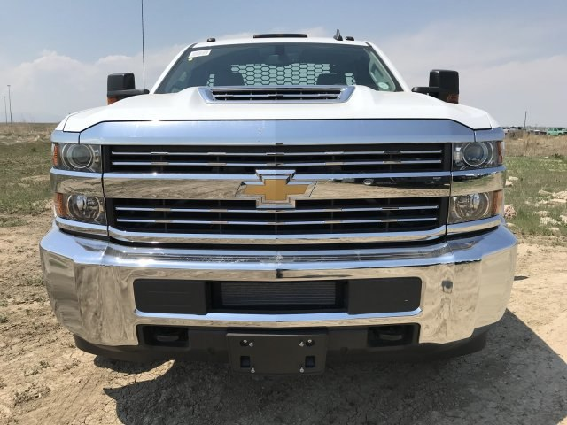 2018 Silverado 3500 Regular Cab DRW 4x4,  Platform Body #G817403 - photo 3
