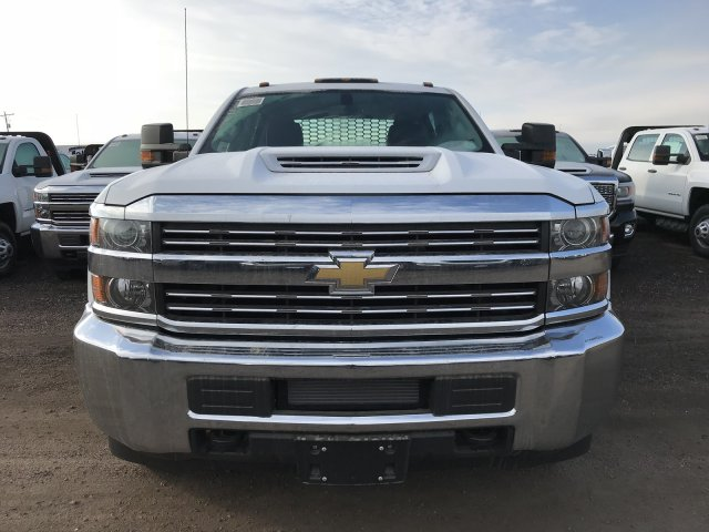 2018 Silverado 3500 Crew Cab DRW 4x4 Platform Body #G819600 - photo 3