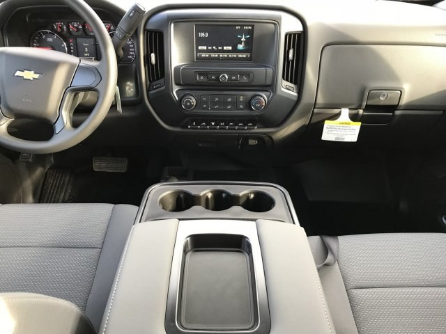 2018 Silverado 3500 Crew Cab DRW 4x4 Platform Body #G819600 - photo 8