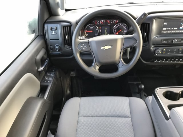 2018 Silverado 3500 Crew Cab DRW 4x4 Hauler Body #G820507 - photo 8