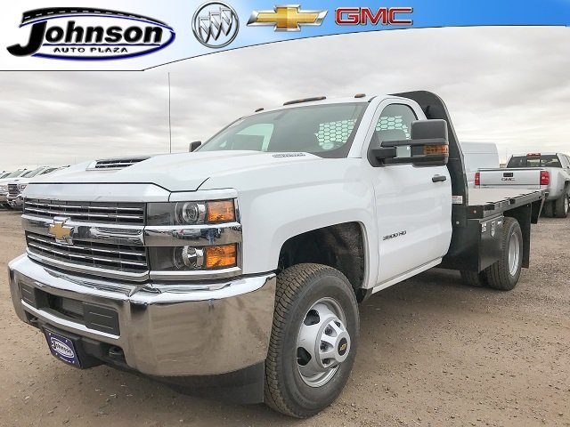 2018 Silverado 3500 Regular Cab DRW 4x4 Platform Body #G828988 - photo 1