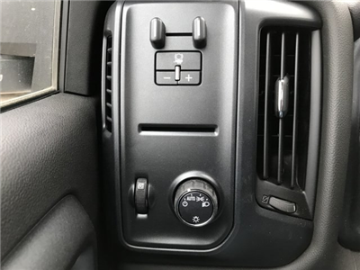 2018 Silverado 3500 Regular Cab DRW 4x4 Platform Body #G828988 - photo 14