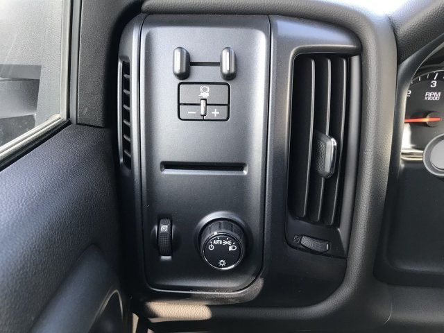 2018 Silverado 2500 Crew Cab 4x4, Pickup #G834091 - photo 15