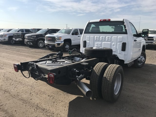 2018 Silverado 3500 Regular Cab DRW 4x4,  Cab Chassis #G851965 - photo 6