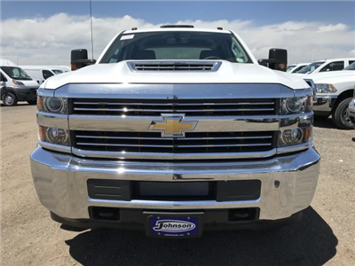 2018 Silverado 3500 Crew Cab 4x4, Pickup #G864472 - photo 4
