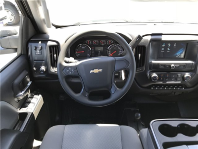 2018 Silverado 3500 Crew Cab 4x4, Pickup #G864472 - photo 8