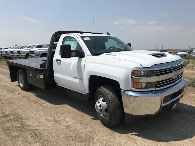 2018 Silverado 3500 Regular Cab DRW 4x4,  CM Truck Beds RD Model Platform Body #G879093 - photo 4