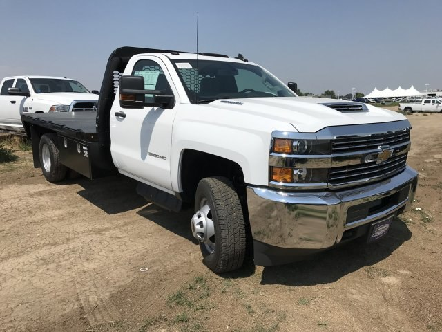 2018 Silverado 3500 Regular Cab DRW 4x4,  Knapheide PGNB Gooseneck Platform Body #G888368 - photo 4