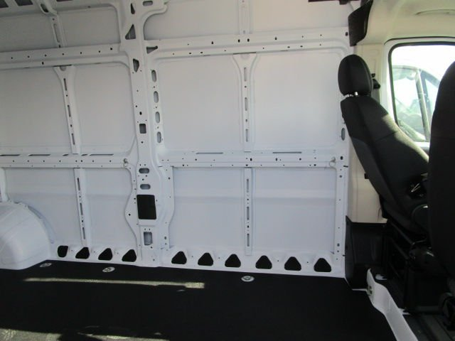 2017 ProMaster 2500 High Roof Cargo Van #C715471 - photo 8