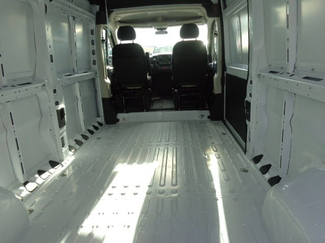 2017 ProMaster 2500 High Roof Cargo Van #C716355 - photo 2