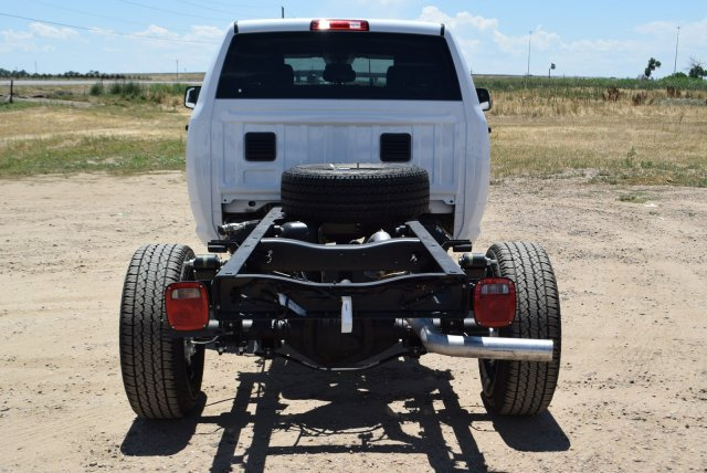 2017 Ram 3500 Crew Cab 4x4 Cab Chassis #C737653 - photo 2