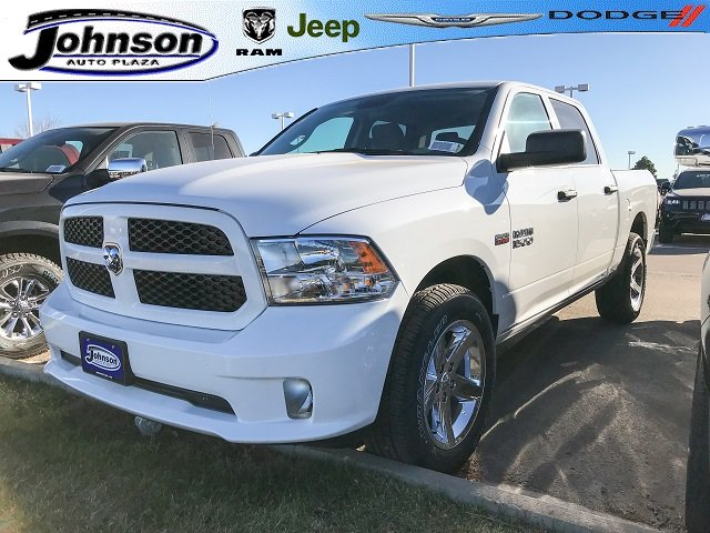 2017 Ram 1500 Crew Cab 4x4, Pickup #C762953 - photo 1