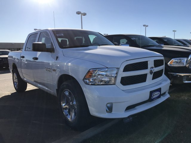 2017 Ram 1500 Crew Cab 4x4, Pickup #C762953 - photo 4