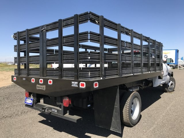 2017 Ram 5500 Regular Cab DRW 4x4, Knapheide Value-Master X Stake Bed #C768486 - photo 5