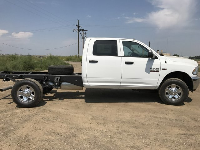 2017 Ram 3500 Crew Cab 4x4, Cab Chassis #C770981 - photo 5